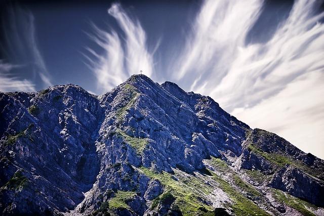 vrchol hory