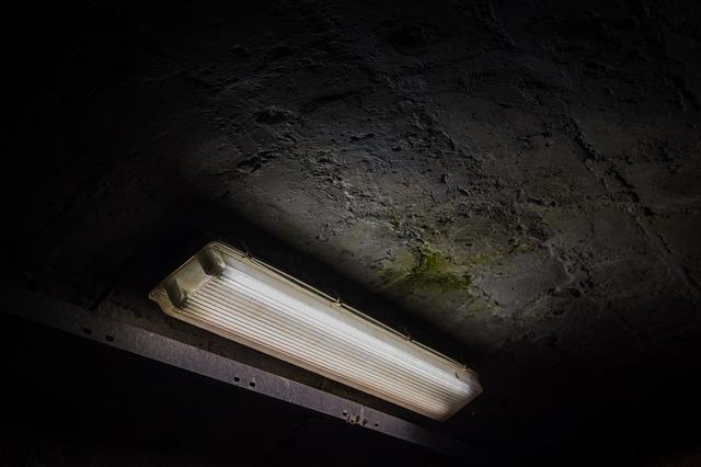 světlo v podzemí