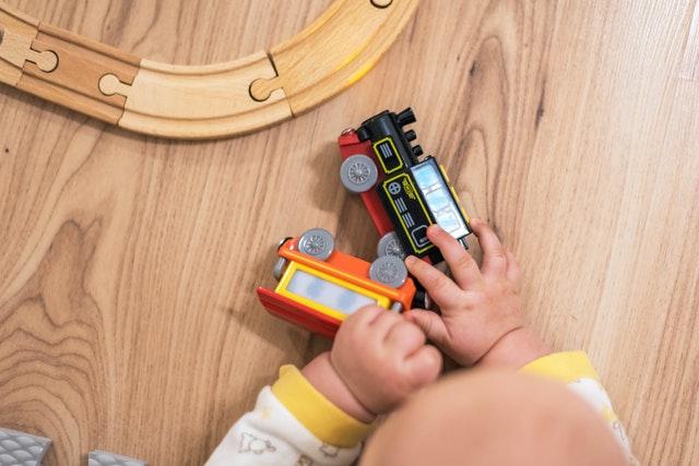 Dřevěná mašinka Tomáš pro milovníky vláčků