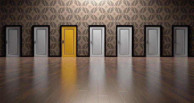 hádanka ze dveří